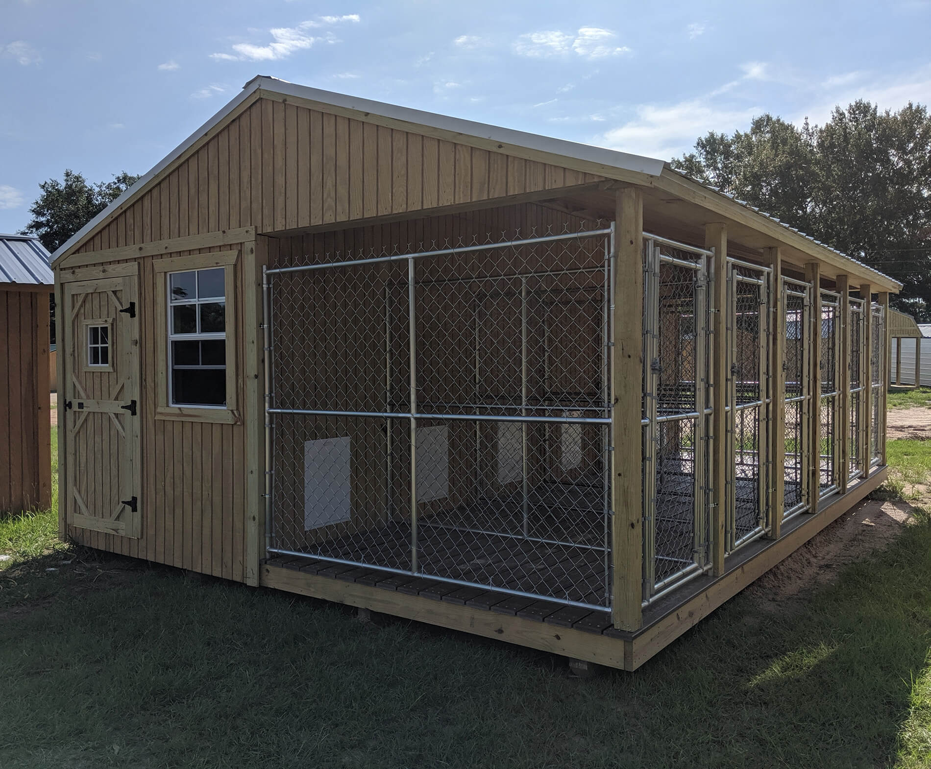 Deluxe Dog Kennels